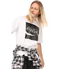 camiseta coca-cola jeans aroma branca - kanui