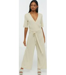 pieces pcduna 2/4 cropped jumpsuit jumpsuits