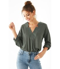 blusa de manga larga gris v cuello