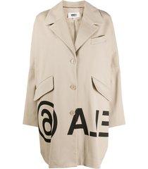 mm6 maison margiela trench coat oversized com estampa de logo - neutro