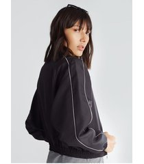 chaqueta corta, contraste mangas