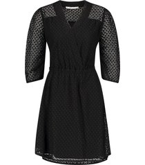 opengewerkte jurk yaelle  zwart