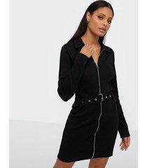 missguided ribbed polo zip front mini dress fodralklänningar