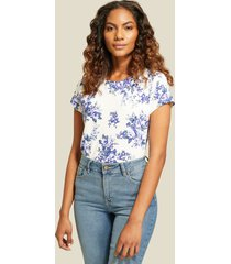camiseta floral cuello redondo blanco 8