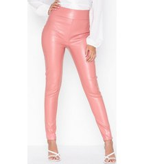 nly one leatherlook pant byxor