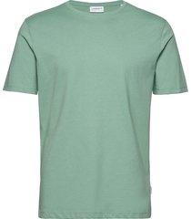 basic tee s/s t-shirts short-sleeved grön lindbergh