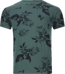 camiseta hombre hojas