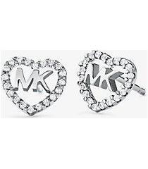 mk orecchini a bottone in argento sterling con placcatura in metallo prezioso pavé e logo a forma di cuore - argento (argento) - michael kors