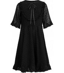 sukienka czarna z haftem