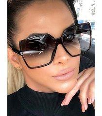 gafas de sol con montura cuadrada vendimia
