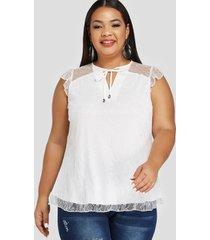 blusa sin mangas con corte de encaje blanco de talla grande