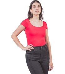 camiseta básica adrissa cuello bandeja ajustada mujer