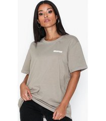 the classy issue ace tee t-shirts