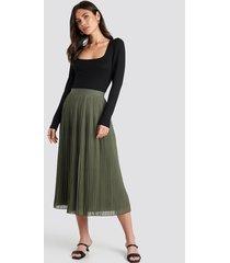 na-kd veckad kjol - green