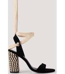 na-kd shoes sandal med flätning och öljettdetaljer - black
