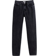 boyfriend-jeans med normalhög midja