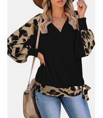 camicetta in maglia a maniche lunghe con scollo a v stampato leopardato patchwork