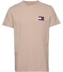 tjm tommy badge tee t-shirts short-sleeved beige tommy jeans
