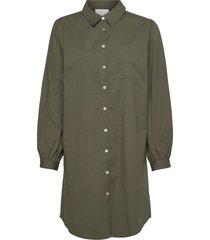 iluna shirt dress knälång klänning grön minus