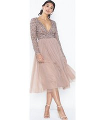 maya deluxe wrap front midi dress paljettklänningar