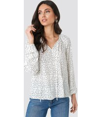 na-kd balloon sleeve dotted blouse - white