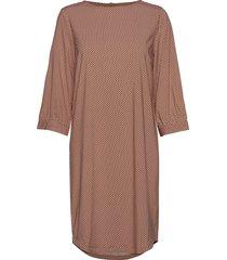 hailey 3/4 dress printed knälång klänning brun soft rebels