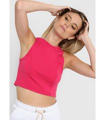 top fucsia corte a crop