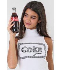 regata coca-cola jeans lettering branca - branco - feminino - viscose - dafiti
