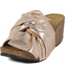 sandalia cuero brillo nudo cipria nara