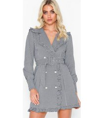 nly trend frill blazer dress loose fit