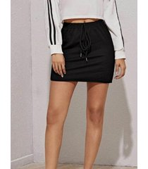 minifalda con cintura con cordón negra