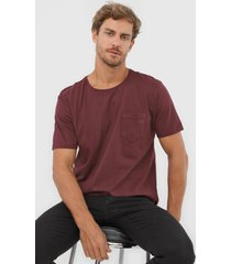 camiseta colombo bolso vinho - vinho - masculino - algodã£o - dafiti