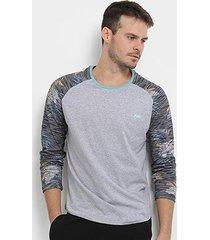 camiseta hd especial sleeve glitch manga longa masculina