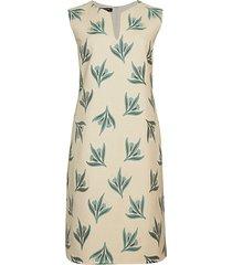taren botanical jacquard shift dress