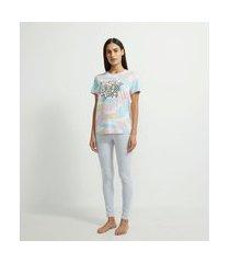 pijama em viscolycra com blusa manga curta e calça estampa escrita 90's love | lov | multicores | gg