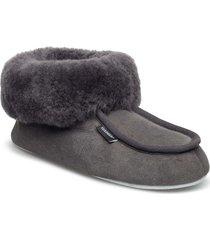 moa slippers tofflor grå shepherd
