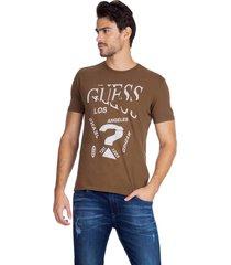 t-shirt broken guess - marrom - masculino - dafiti