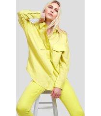 camisa de tricoline com ombros deslocados e bolso amarela amarelo neon - g