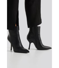 na-kd shoes structured pointy boots - black