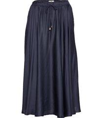 della satin skirt rok knielengte blauw lexington clothing