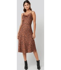 trendyol leopard print midi dress - multicolor