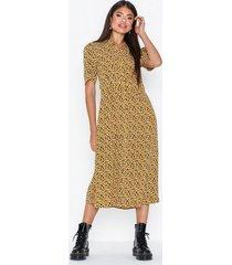 pieces pchellia ss midi dress loose fit dresses
