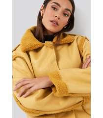 na-kd trend front pocket teddy jacket - yellow
