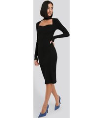 na-kd trend cut out turtle neck ribbed midi dress - black