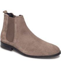 cast classic chelsea suede shoes chelsea boots brun royal republiq