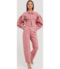na-kd trend front dart slouchy jeans - pink
