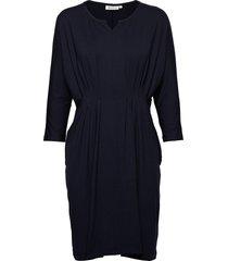 nessie dress knälång klänning blå masai
