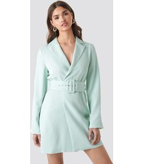 na-kd trend wide sleeve belted blazer dress - turquoise