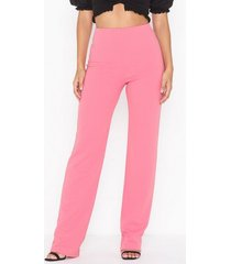 nly one straight crepe pant byxor rosa
