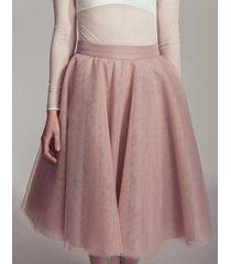 spódnica z tiulu w kolorze zgaszonego różu